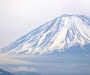 毎年山開きにあわせてアンテナを立てに富士山に登っている