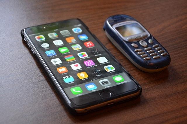 スマホと古い携帯