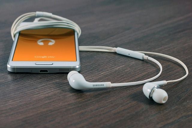 音楽聞いている